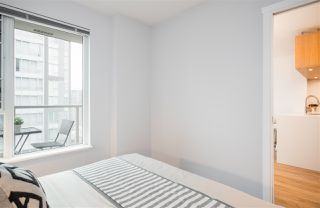 """Photo 12: 1805 1001 RICHARDS Street in Vancouver: Downtown VW Condo for sale in """"Miro"""" (Vancouver West)  : MLS®# R2378633"""