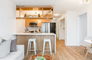 """Photo 7: 1805 1001 RICHARDS Street in Vancouver: Downtown VW Condo for sale in """"Miro"""" (Vancouver West)  : MLS®# R2378633"""