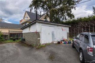 Photo 2: 1022 Summit Avenue in VICTORIA: Vi Mayfair Single Family Detached for sale (Victoria)  : MLS®# 412392