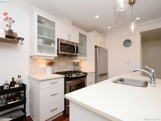 Photo 7: 2 1146 Richardson Street in VICTORIA: Vi Fairfield West Condo Apartment for sale (Victoria)  : MLS®# 412413