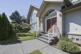 Photo 2: 16917 80 Avenue in Surrey: Fleetwood Tynehead House for sale : MLS®# R2395333