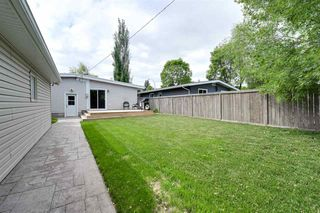 Photo 4: 8213 152 Street in Edmonton: Zone 22 House for sale : MLS®# E4197496
