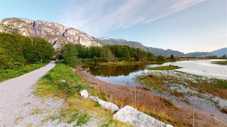 """Photo 26: 4 1261 MAIN Street in Squamish: Downtown SQ Townhouse for sale in """"SKYE - COASTAL VILLAGE"""" : MLS®# R2457475"""