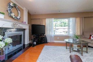 """Photo 7: 20358 41A Avenue in Langley: Brookswood Langley House for sale in """"Brookswood"""" : MLS®# R2464569"""