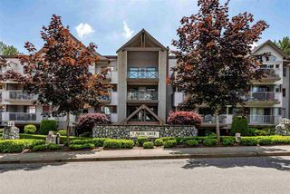 "Photo 1: 404 33478 ROBERTS Avenue in Abbotsford: Central Abbotsford Condo for sale in ""Aspen Creek"" : MLS®# R2469607"