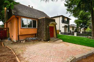 Photo 2: 1978 NASSAU Drive in Vancouver: Fraserview VE House for sale (Vancouver East)  : MLS®# R2480978