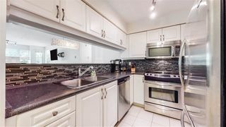 """Photo 2: 302 8728 SW MARINE Drive in Vancouver: Marpole Condo for sale in """"RIVERVIEW COURT"""" (Vancouver West)  : MLS®# R2481664"""