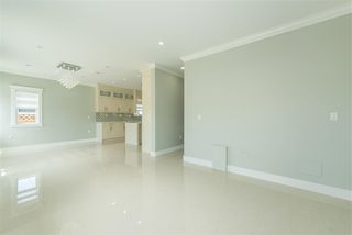 Photo 11: 7130 KITCHENER Street in Burnaby: Sperling-Duthie 1/2 Duplex for sale (Burnaby North)  : MLS®# R2488051
