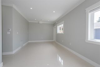 Photo 10: 7130 KITCHENER Street in Burnaby: Sperling-Duthie House 1/2 Duplex for sale (Burnaby North)  : MLS®# R2488051