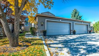 Photo 1: 93 1815 Varsity Estates Drive NW: Calgary Row/Townhouse for sale : MLS®# A1039353