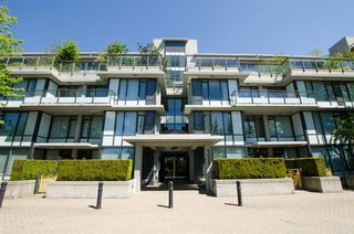 """Photo 1: 618 9009 CORNERSTONE Mews in Burnaby: Simon Fraser Univer. Condo for sale in """"THE HUB"""" (Burnaby North)  : MLS®# R2517654"""