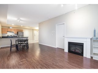 "Photo 6: 401 10092 148 Street in Surrey: Guildford Condo for sale in ""BLOOMSBURY COURT"" (North Surrey)  : MLS®# R2525835"