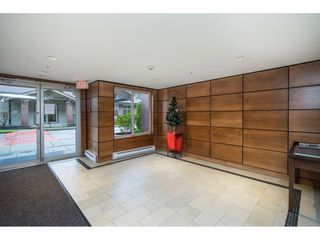 "Photo 3: 401 10092 148 Street in Surrey: Guildford Condo for sale in ""BLOOMSBURY COURT"" (North Surrey)  : MLS®# R2525835"