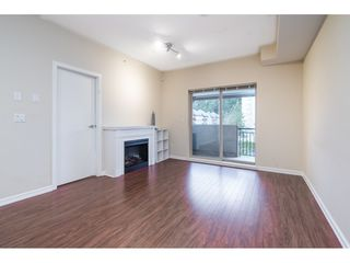 "Photo 4: 401 10092 148 Street in Surrey: Guildford Condo for sale in ""BLOOMSBURY COURT"" (North Surrey)  : MLS®# R2525835"