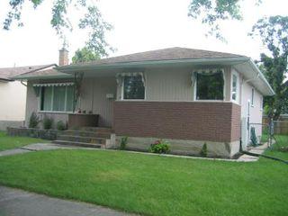 Photo 2: 495 Roberta Avenue: Residential for sale (East Kildonan)  : MLS®# 2813889