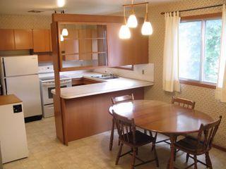 Photo 3: 43 Celtic Bay in Winnipeg: Fort Garry / Whyte Ridge / St Norbert Single Family Detached for sale (South Winnipeg)  : MLS®# 1214979
