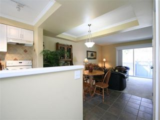 Photo 3: 39 315 SCHOOLHOUSE Street in Coquitlam: Maillardville Townhouse for sale : MLS®# V1055851