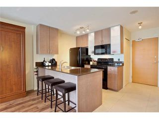 """Photo 6: 2504 977 MAINLAND Street in Vancouver: Yaletown Condo for sale in """"YALETOWN PARK III"""" (Vancouver West)  : MLS®# V1094535"""