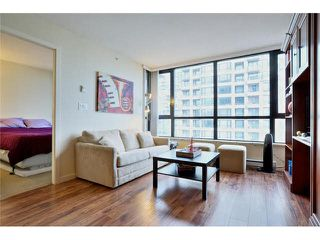 """Photo 9: 2504 977 MAINLAND Street in Vancouver: Yaletown Condo for sale in """"YALETOWN PARK III"""" (Vancouver West)  : MLS®# V1094535"""