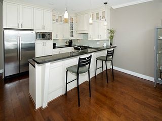 """Photo 9: 390 55TH Street in Tsawwassen: Pebble Hill House for sale in """"Pebble Hill"""" : MLS®# V1114874"""