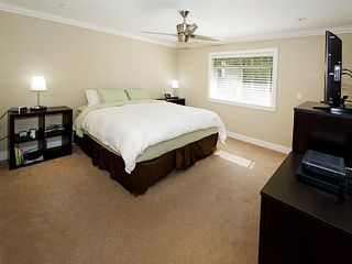 """Photo 13: 390 55TH Street in Tsawwassen: Pebble Hill House for sale in """"Pebble Hill"""" : MLS®# V1114874"""