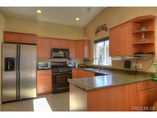 Photo 9: 2639 Pinnacle Way in VICTORIA: La Mill Hill Single Family Detached for sale (Langford)  : MLS®# 709945
