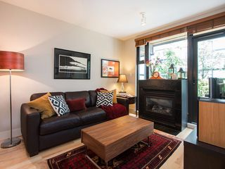 "Photo 6: 3796 COMMERCIAL Street in Vancouver: Victoria VE Townhouse for sale in ""BRIX"" (Vancouver East)  : MLS®# R2090681"