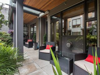 "Photo 3: 3796 COMMERCIAL Street in Vancouver: Victoria VE Townhouse for sale in ""BRIX"" (Vancouver East)  : MLS®# R2090681"