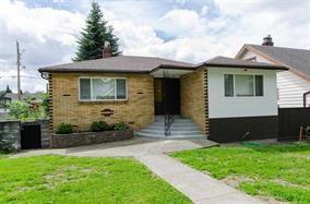 Photo 1: 2590 ADANAC Street in Vancouver: Renfrew VE House for sale (Vancouver East)  : MLS®# R2101435