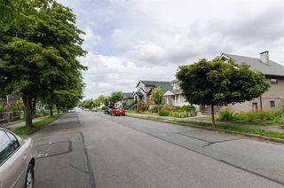 Photo 17: 2590 ADANAC Street in Vancouver: Renfrew VE House for sale (Vancouver East)  : MLS®# R2101435