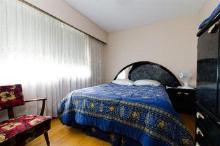 Photo 8: 2590 ADANAC Street in Vancouver: Renfrew VE House for sale (Vancouver East)  : MLS®# R2101435