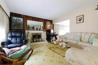 Photo 6: 2590 ADANAC Street in Vancouver: Renfrew VE House for sale (Vancouver East)  : MLS®# R2101435