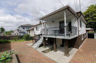 Photo 14: 2590 ADANAC Street in Vancouver: Renfrew VE House for sale (Vancouver East)  : MLS®# R2101435