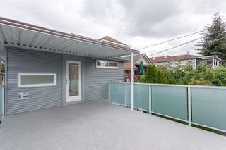 Photo 10: 2026 CHARLES Street in Vancouver: Grandview VE House for sale (Vancouver East)  : MLS®# R2103158