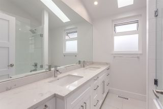 Photo 8: 2026 CHARLES Street in Vancouver: Grandview VE House for sale (Vancouver East)  : MLS®# R2103158