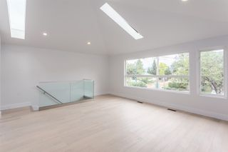 Photo 3: 2026 CHARLES Street in Vancouver: Grandview VE House for sale (Vancouver East)  : MLS®# R2103158