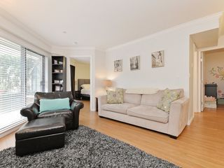 "Photo 4: 2009 84 GRANT Street in Port Moody: Port Moody Centre Condo for sale in ""The Lighthouse"" : MLS®# R2105820"