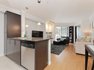 "Photo 12: 2009 84 GRANT Street in Port Moody: Port Moody Centre Condo for sale in ""The Lighthouse"" : MLS®# R2105820"