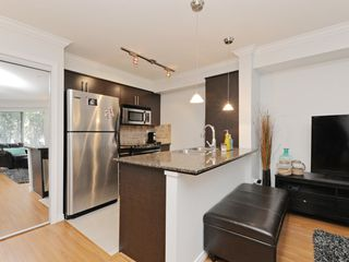 "Photo 11: 2009 84 GRANT Street in Port Moody: Port Moody Centre Condo for sale in ""The Lighthouse"" : MLS®# R2105820"