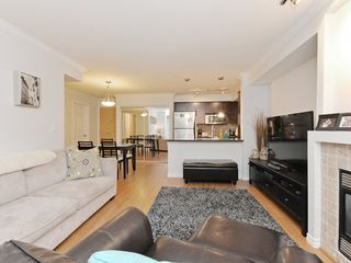 "Photo 5: 2009 84 GRANT Street in Port Moody: Port Moody Centre Condo for sale in ""The Lighthouse"" : MLS®# R2105820"