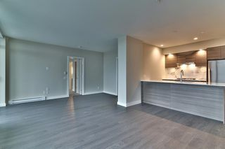 "Photo 5: 2604 602 COMO LAKE Avenue in Coquitlam: Coquitlam West Condo for sale in ""BOSA UPTOWN"" : MLS®# R2153152"