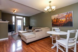 "Photo 1: 18 4787 57 Street in Delta: Delta Manor Townhouse for sale in ""Village Green"" (Ladner)  : MLS®# R2164947"