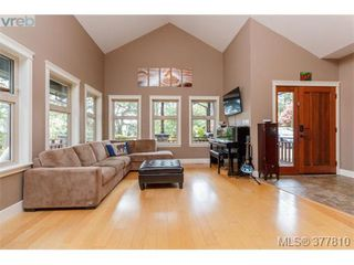Photo 2: 42 Carly Lane in VICTORIA: VR Six Mile Single Family Detached for sale (View Royal)  : MLS®# 758601