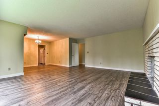 Photo 4: 19243 76 Avenue in Surrey: Clayton House for sale (Cloverdale)  : MLS®# R2175825