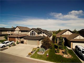 Photo 2: 420 CRYSTAL GREEN Manor: Okotoks House for sale : MLS®# C4124322