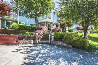 "Photo 1: 102 11510 225 Street in Maple Ridge: East Central Condo for sale in ""FRASER VILLAGE"" : MLS®# R2182477"