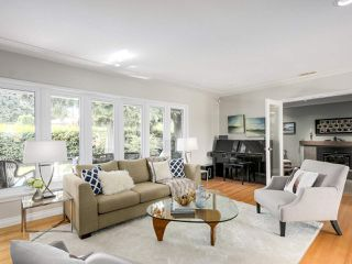 Photo 2: 3440 BLUEBONNET Road in North Vancouver: Edgemont House for sale : MLS®# R2184708