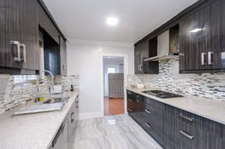 Photo 6: 911 E 62ND Avenue in Vancouver: South Vancouver House for sale (Vancouver East)  : MLS®# R2192131
