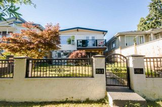 Photo 2: 911 E 62ND Avenue in Vancouver: South Vancouver House for sale (Vancouver East)  : MLS®# R2192131