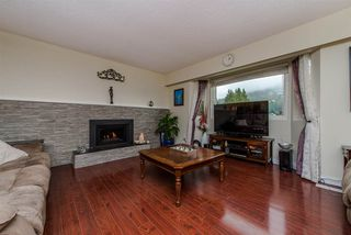 """Photo 2: 2661 MACBETH Crescent in Abbotsford: Abbotsford East House for sale in """"McMillan"""" : MLS®# R2213600"""